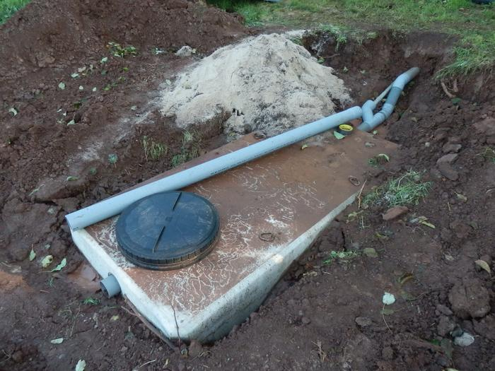 autonomie du traitement des eaux usées (fosse septique) M_327443866_0