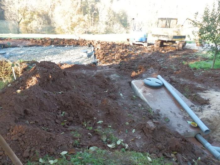 autonomie du traitement des eaux usées (fosse septique) M_327445298_0