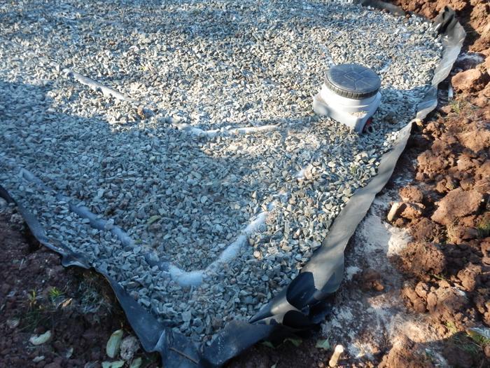 autonomie du traitement des eaux usées (fosse septique) M_327446192_0